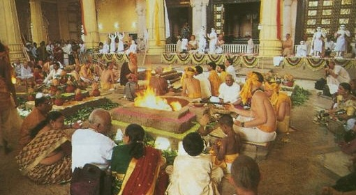 Back-To-Godhead-Vedic-Fire-Sacrifices-Ceremony